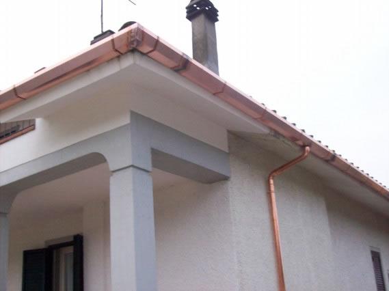 Guerrini lavorazioni installazioni grondaie pluviali for Installazione di condotte idriche in rame